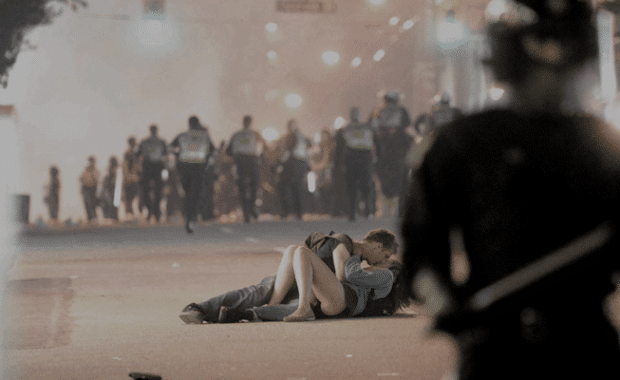 """What """"Making Out in Public"""" Can Teach Us About Creating News"""